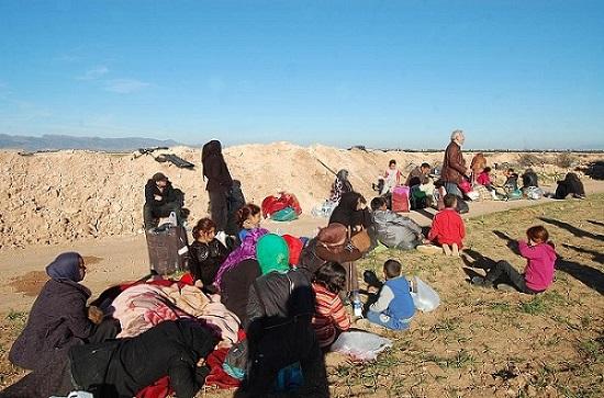 """صورة الجزائر تمنح السوريين العالقين صفة """"لاجئ"""""""