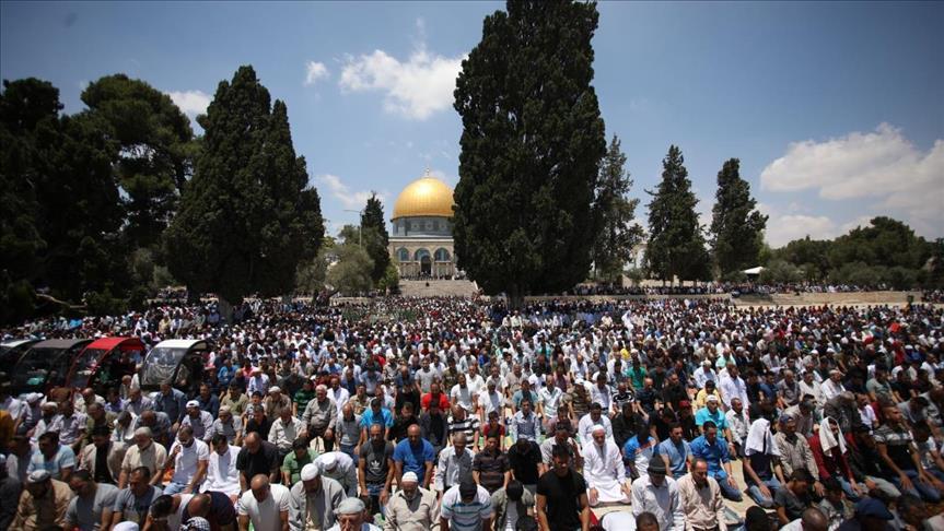 صورة ربع مليون مصل في الأقصى بجمعة رمضان الأولى