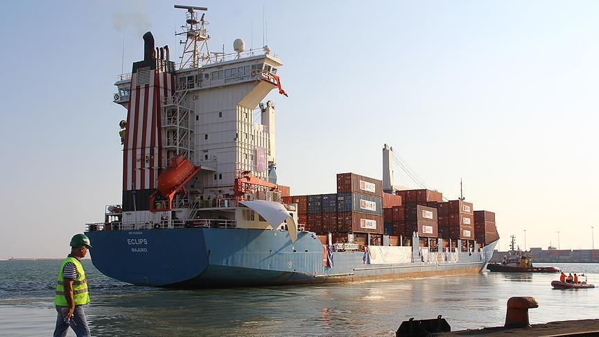 صورة انطلاق أول باخرة أغذية تركية نحو قطر