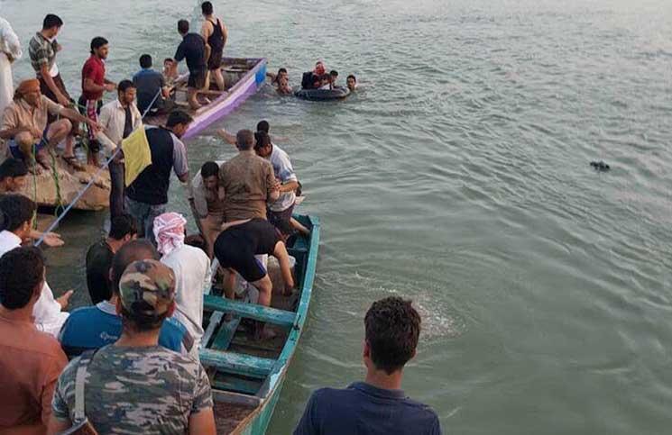 صورة غرق عائلتين أثناء محاولتهما النزوح من الرقة