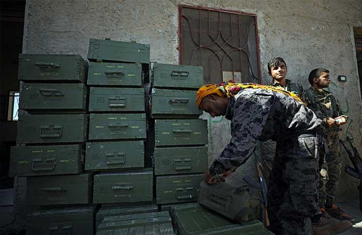 """صورة تحرير الشام تنفي قصف معبر باب الهوى بـ""""المدفعية"""""""