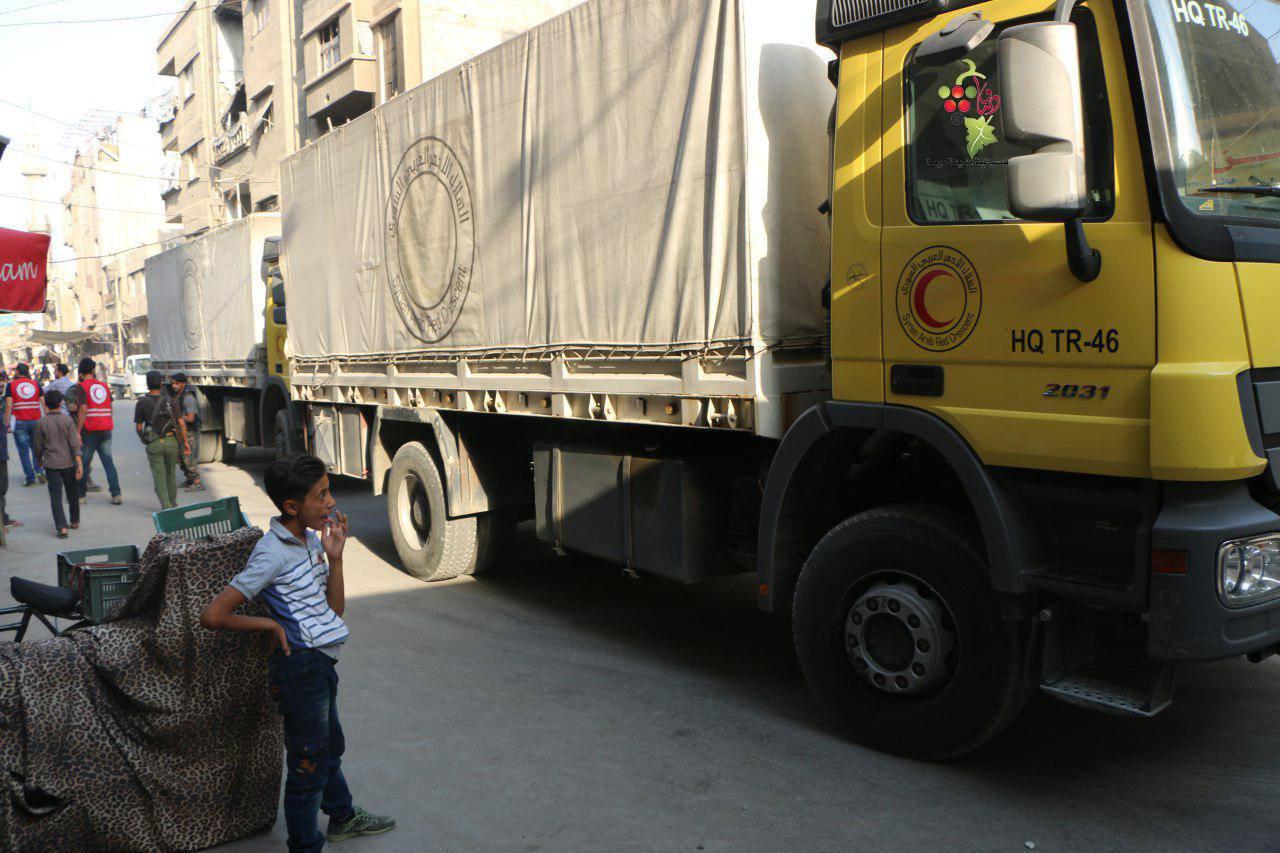 صورة مساعدات طبية تدخل الغوطة الشرقية