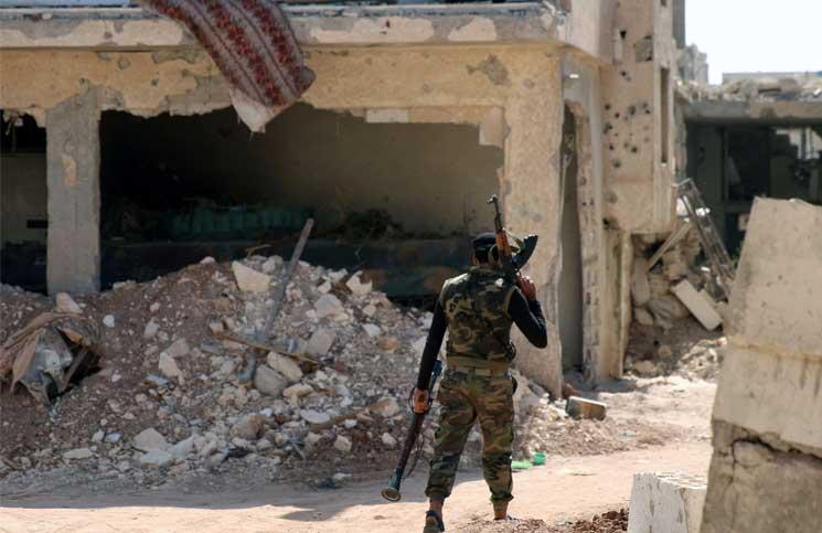 صورة ضغوط على المعارضة لوقف قتال الأسد بالبادية