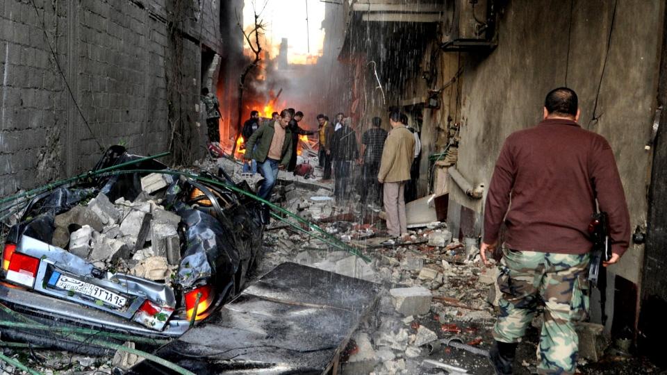 صورة مواجهات بين جيش الإسلام وتنظيم الدولة بمخيم اليرموك