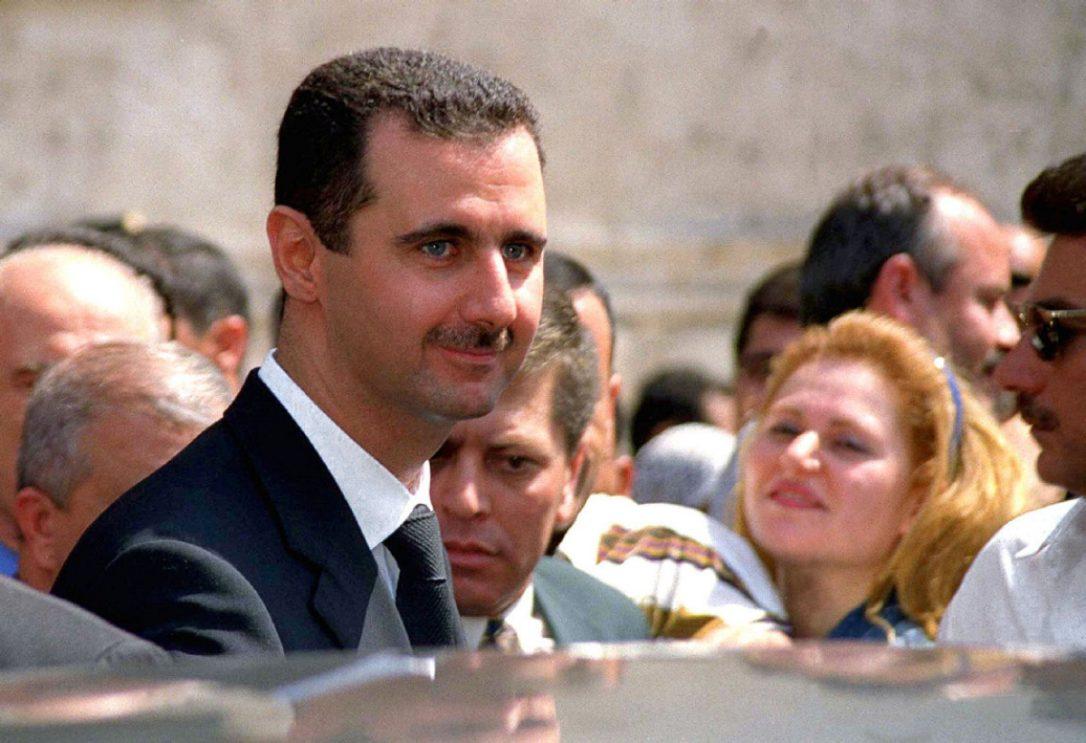 صورة حافظ الأسد يهاجم واصفي بشار بالديكتاتور
