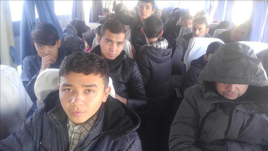صورة تركيا تضبط 43 سوري مع مهربين روس