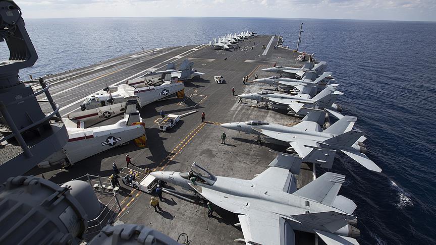 """صورة حاملة الطائرات العملاقة """"جورج بوش"""" تصل حيفا"""