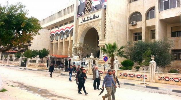 صورة الإسلامي يرفض تدمير إدلب بحجة الهيئة