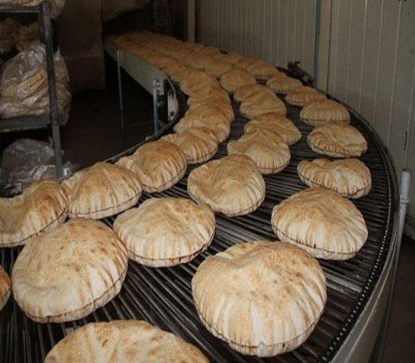 صورة أزمة اقتصادية خانقة..رغيف الخبز مفقود بحلب