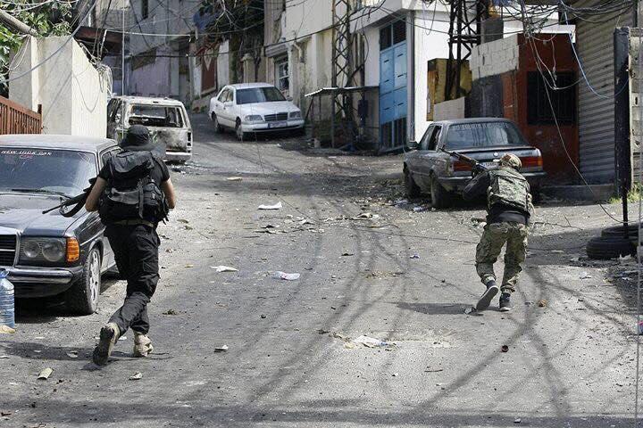 صورة فلسطينيو سورية: هربنا من الجحيم السورية إلى نار الاقتتال بعين الحلوة