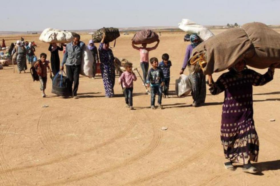 صورة أمام صمت العالم..600 عائلة تنزح من حماة