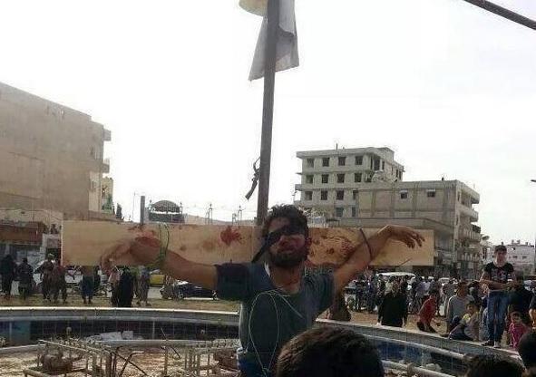 صورة ثم رمى الجثث بالفرات..تنظيم الدولة يعدم 30 مدني