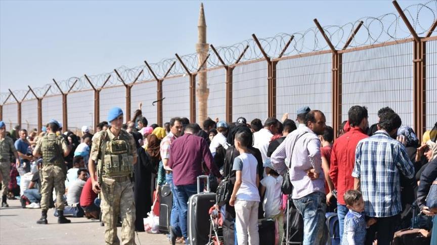 صورة 18 ألف لاجئ دخلوا البلاد لقضاء إجازة العيد