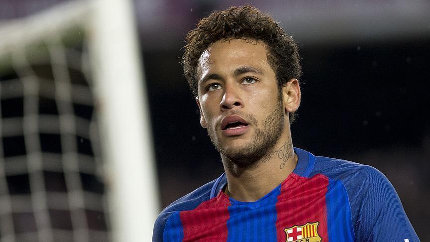 """صورة جماهير برشلونة تصف نيمار بـ""""الخائن"""""""