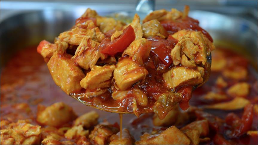 صورة الأكلات التركية التقليدية تتفوق على الوجبات السريعة