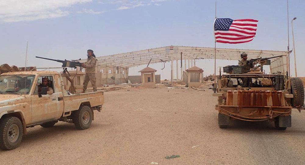 صورة واشنطن تدمر قاعدة عسكريا لها بسوريا