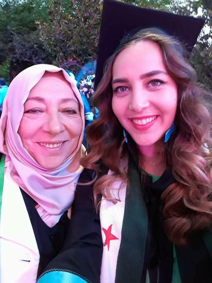 صورة مقتل دكتورة سورية وابنتها الإعلامية بتركيا