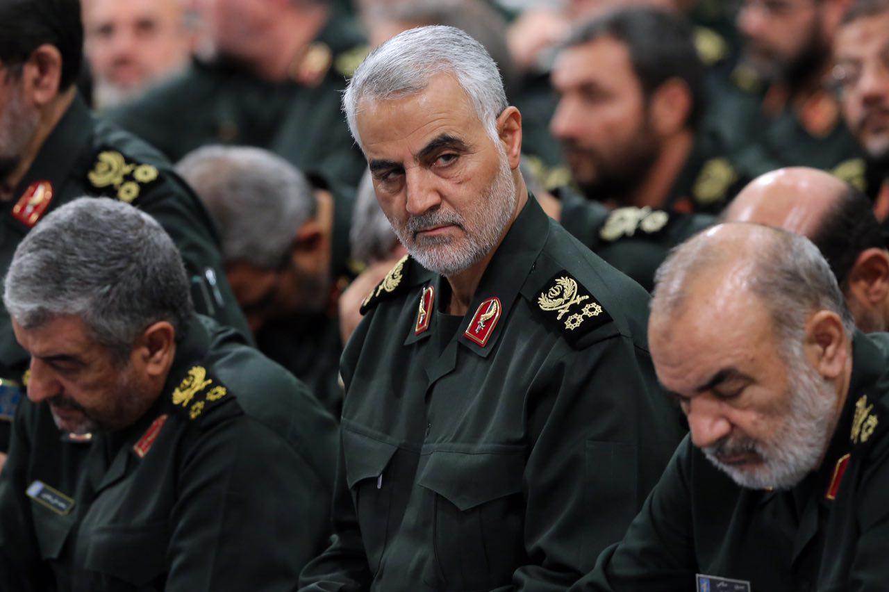 صورة باحث إيراني يشرح أسباب فشل إيران بسوريا