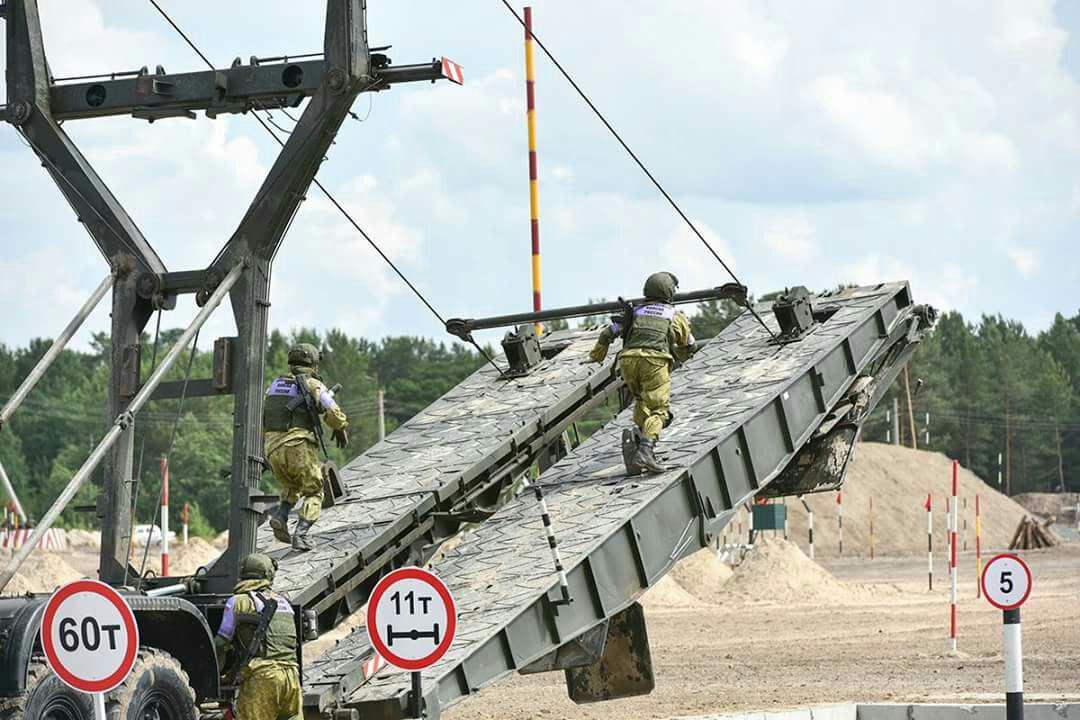 صورة جسر روسي فوق الفرات..ما أهدافه؟