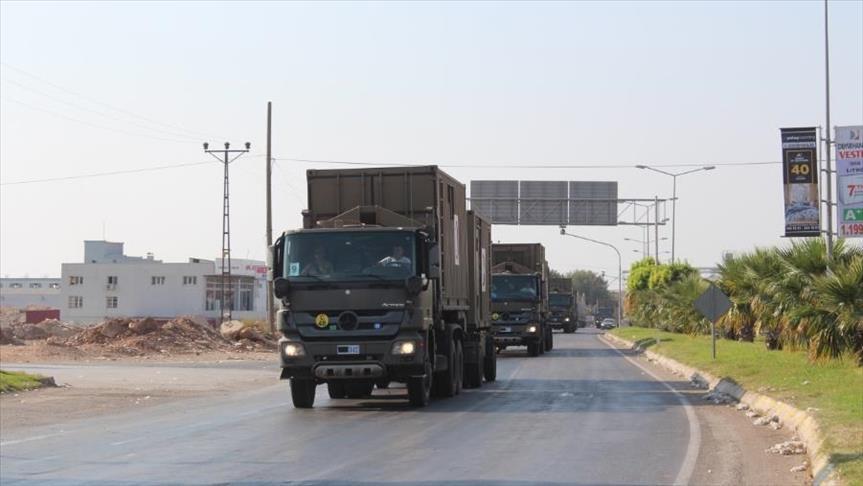 صورة وحدات عسكرية تركية إلى الحدود السورية