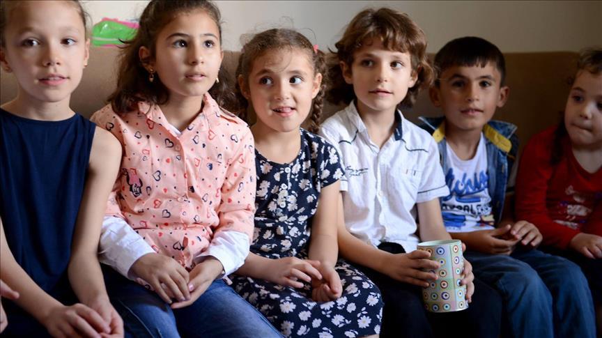 صورة تركيا.. أيتام سوريون يتبرّعون بمصروفهم لمسلمي الروهنغيا