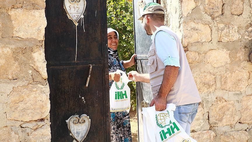 صورة جهود تركية لتوزيع الأضاحي على 250 ألف شخص بسوريا