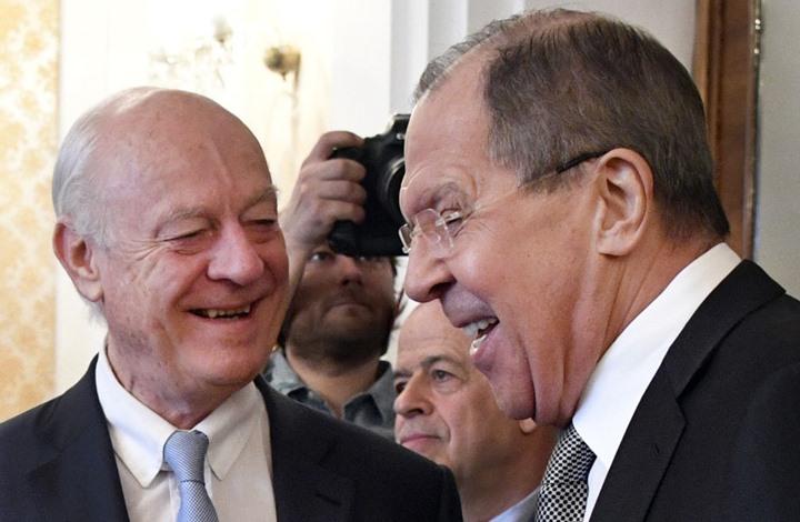صورة لافروف ودي ميستورا يكشفان عن مفاوضات جديدة حول سوريا