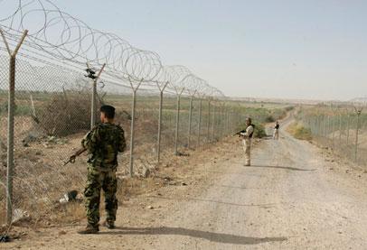 صورة تنظيم الدولة يعزز دفاعاته على الحدود السورية العراقية