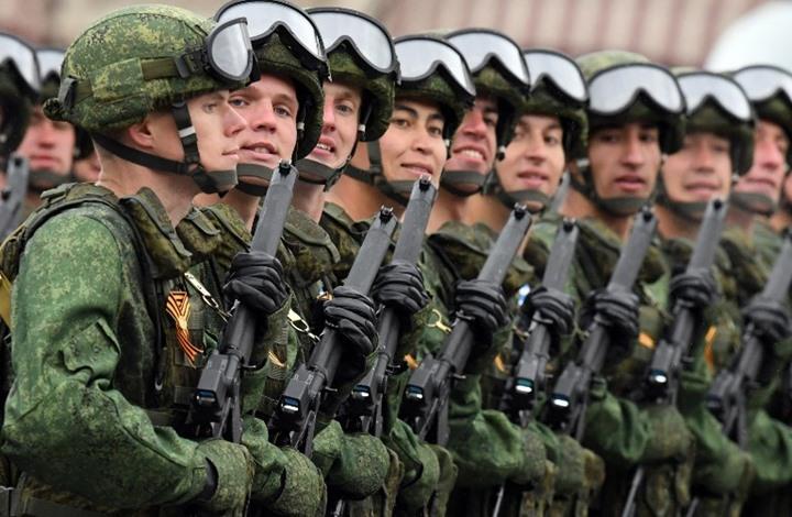 صورة جندي روسي يقتل ضابطا وعنصرين
