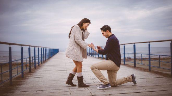 """صورة الزواج """"قد يمنع الخرف"""""""