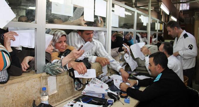 صورة نظام الأسد يحيل موظفين للقضاء..والتهمة؟