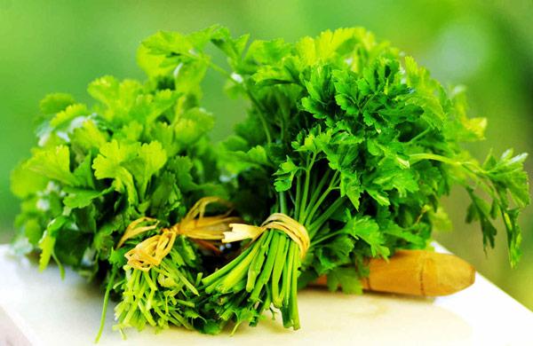صورة الخضراوات الورقية تدعم صحة القلب