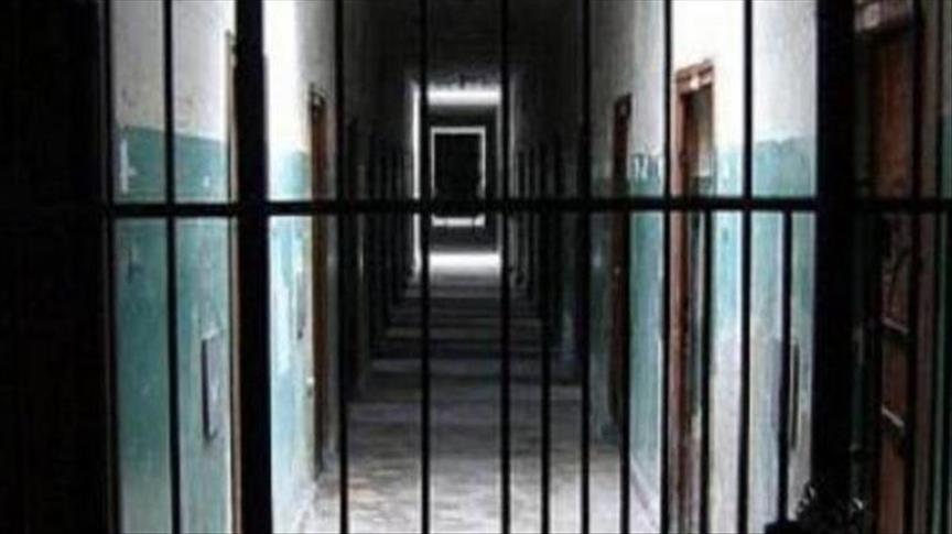صورة معتقلوا سجن حمص يعلقون إضرابهم عن الطعام