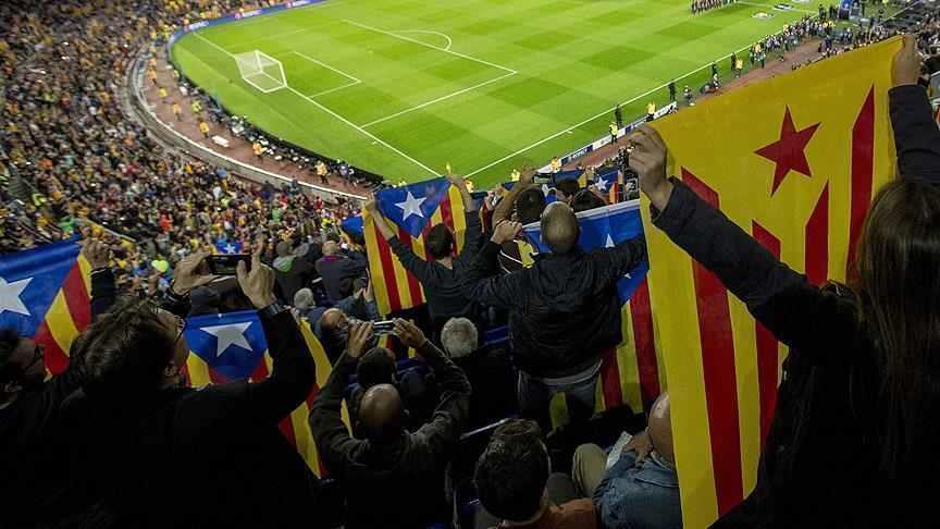 صورة رئيس برشلونة الإسباني: ندعم كتالونيا وحرية الاستفتاء