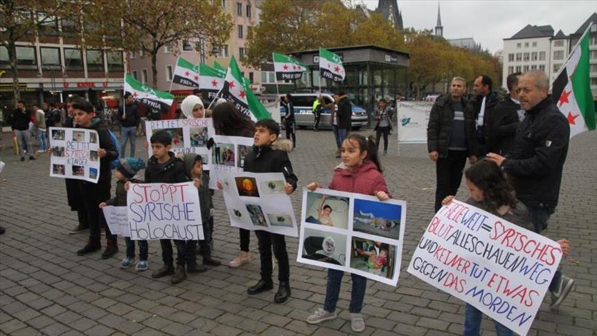 صورة سوريون يتظاهرون في ألمانيا ضد نظام الأسد وداعميه