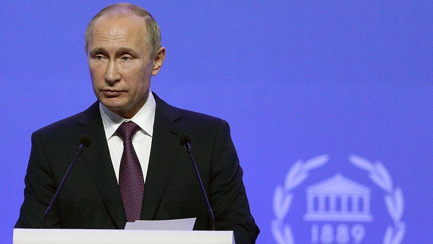 صورة بوتين: على المجتمع الدولي التفكير بإعادة بناء سوريا