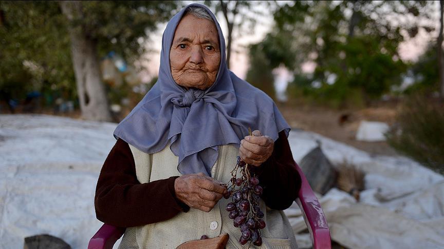 صورة زارت الطبيب مرتين بحياتها فقط..معمرة تركية تكشف سر نظامها الغذائي