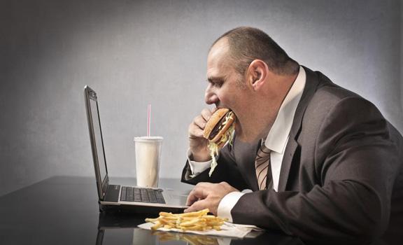 صورة ملايين البشر يعانون سوء التغذية أو السمنة (دراسة)