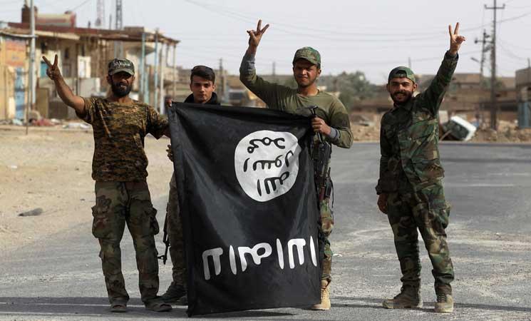 صورة خبراء: تنظيم الدولة قد يعود للمربع الأول بسوريا والعراق
