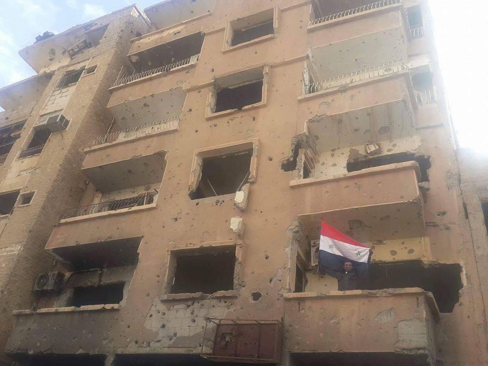 """صورة نظام الأسد يدمر ويحتل منزل """"حجاب"""""""