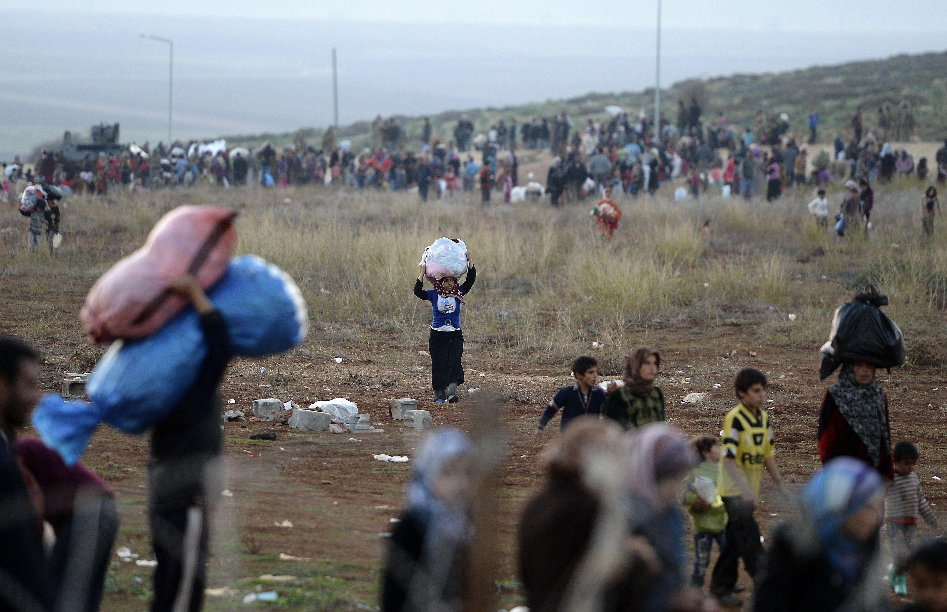 صورة تهجير قسري لـ 35 ألف مدني جنوبي حلب