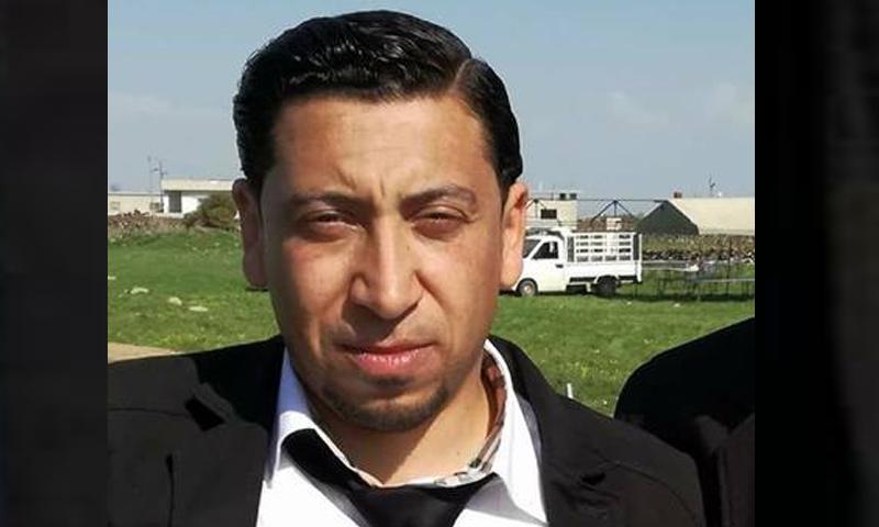 """صورة مقتل الإعلامي """"عمر الجولاني"""" تحت التعذيب"""