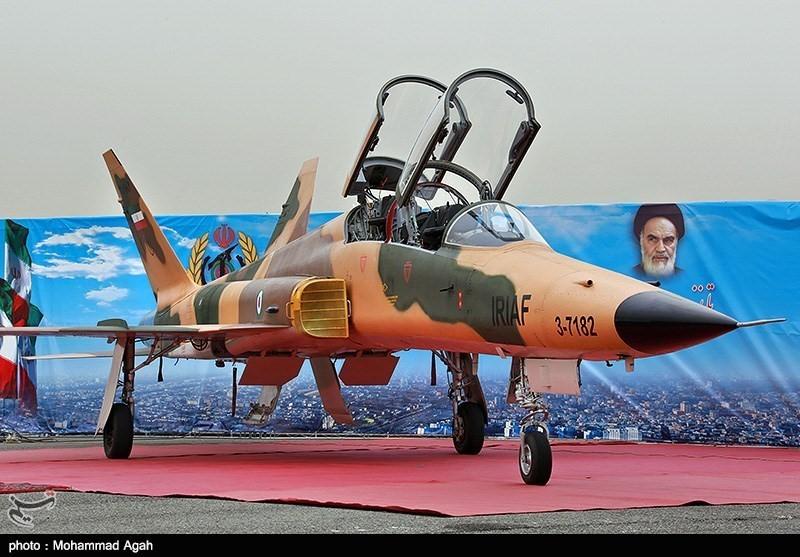صورة سقوط طائرة حربية للحرس الثوري الإيراني