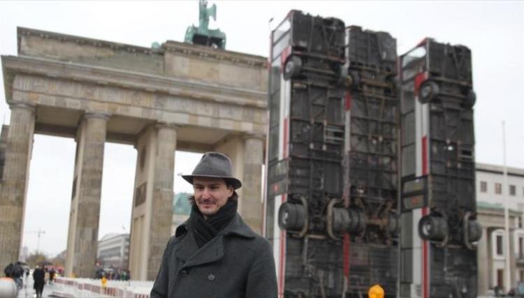 صورة حافلات حلب حاضرة بأشهر ميادين برلين