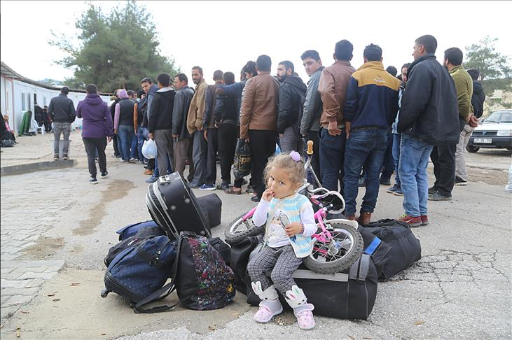 صورة عودة قرابة 4 آلاف لاجئ من تركيا للداخل