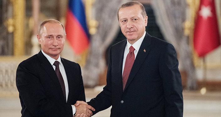 صورة موالون للأسد ينتقدون التوافق الروسي والتركي