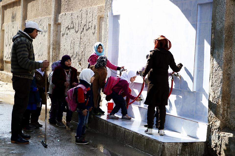 """صورة نظام الأسد يعاقب مخيم اليرموك بـ""""المياه"""" منذ 1200 يوم"""