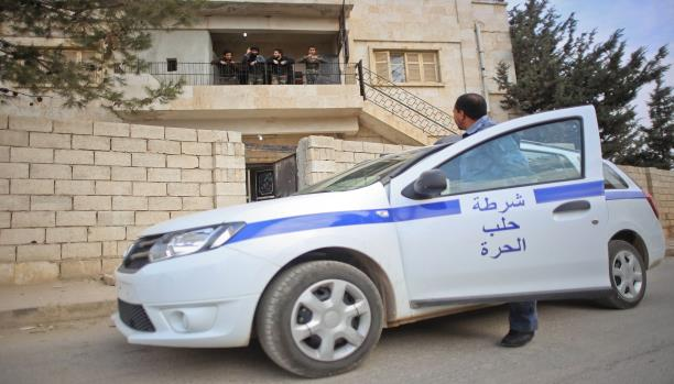 صورة بريطانيا تجمد مساعداتها للشرطة السورية الحرة
