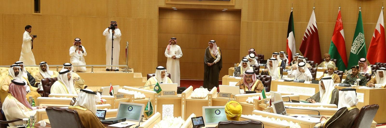 صورة قمة حفظ ماء الوجه الخليجية في الكويت؟