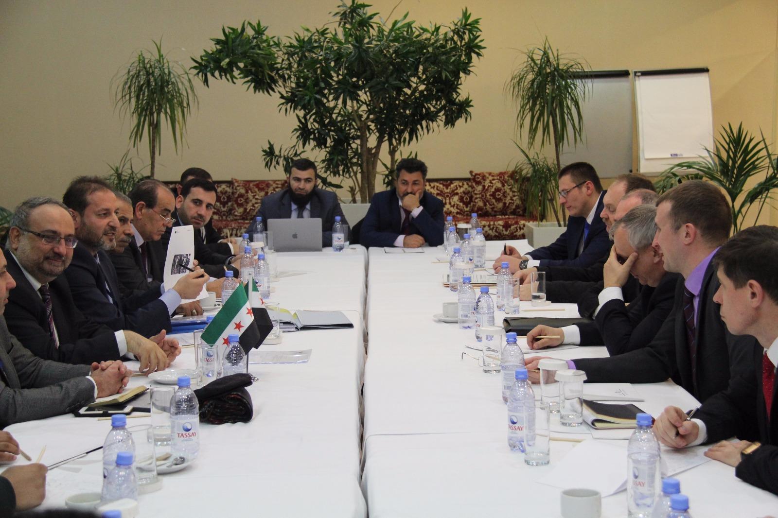 صورة أستانا8..المعارضة تسلم الروس مذكرات لجرائم الأسد (وثائق)